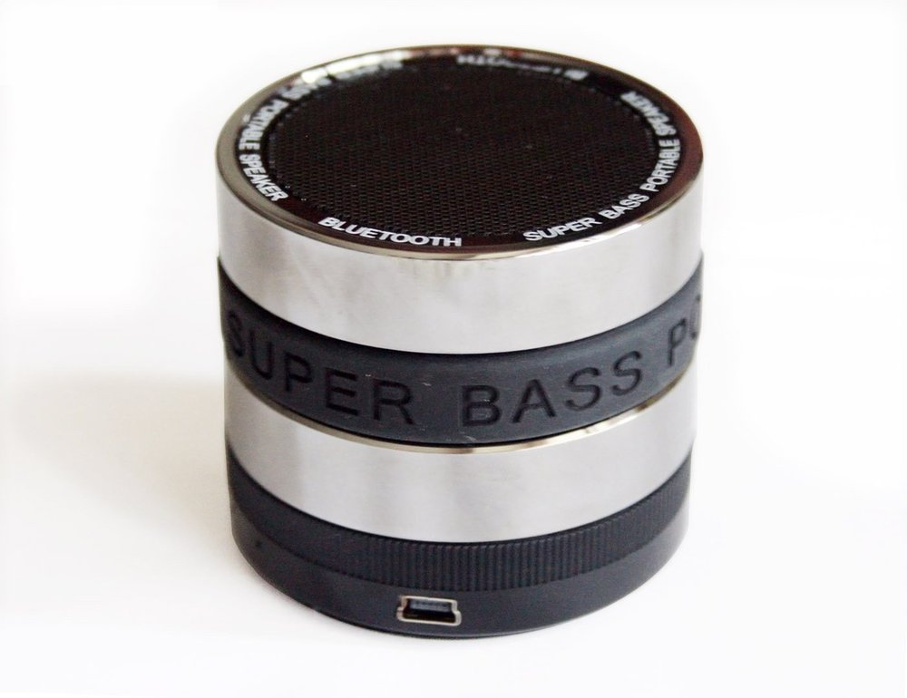 Portable bass speaker