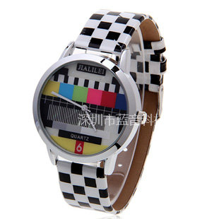 Fashion watch women's table summer popular black and white table ladies watch personalized fashion genuine leather belt vintage(China (Mainland))