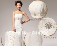 Free     shipping    The new 2013 lace strapless wedding dress. HS70