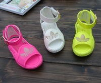 Free Shipping Child sandals girls shoes baby comfortable platform open toe shoe princess sandals V4808
