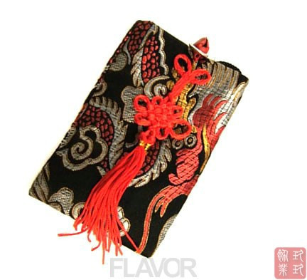 National trend unique eco-friendly personalized satin embroidered chinese knot bell mobile phone bag(China (Mainland))