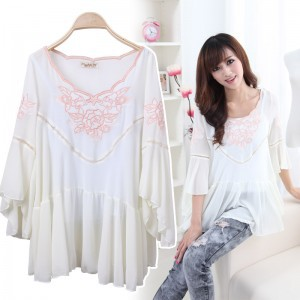 1597/The spring and autumn computer embroidery ladies fashion big Sleeve Chiffon shirt free postage