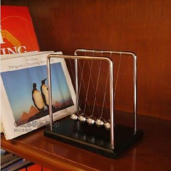 High Quality Medium Size:13.5*11.5*14cm 4pcs/lot Newton Cradle Balance Balls Physics School & Educational Supplies teaching toys