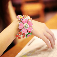 Min order For 15 Dollars (Mixed Order)Free Shipping Fashion Flower Beach StyleBest Seller Bracelet 2013 Perfect Decoration