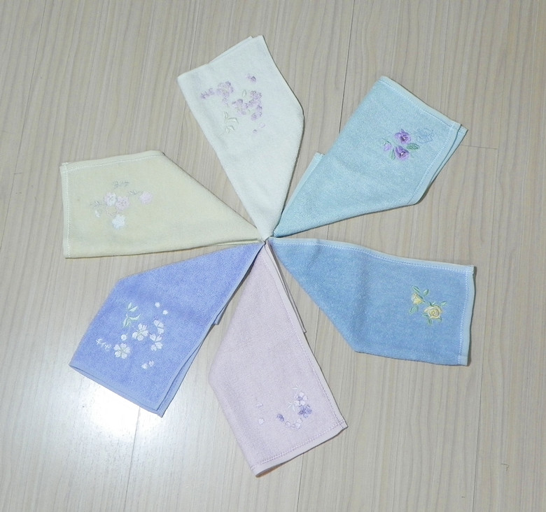 Silk embroidered towel silk cleansing silk small towel facecloth silk faceable mj-002(China (Mainland))