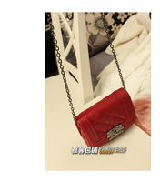 Lingge chain retro shoulder diagonal package