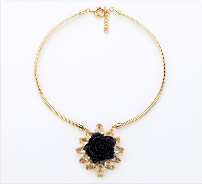 2013 Brand fashion accessories retail alloy jewel Ms rose flowers simple necklace bride jewelry manufacturer Free Shipping(China (Mainland))