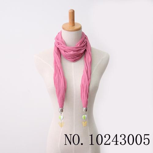 O envio gratuito de 12 pçs/lote acessórios 2013 das mulheres fiado rayon plissado bianzi hem roll up pingente cachecol(China (Mainland))