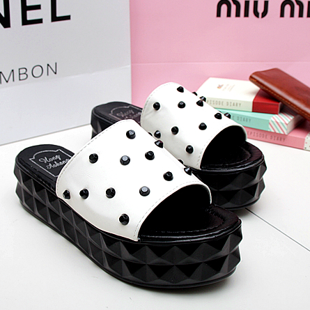 New arrival 2013 fashion star black and white pointed toe wedges sandals slippers platform shoes female shoes(China (Mainland))