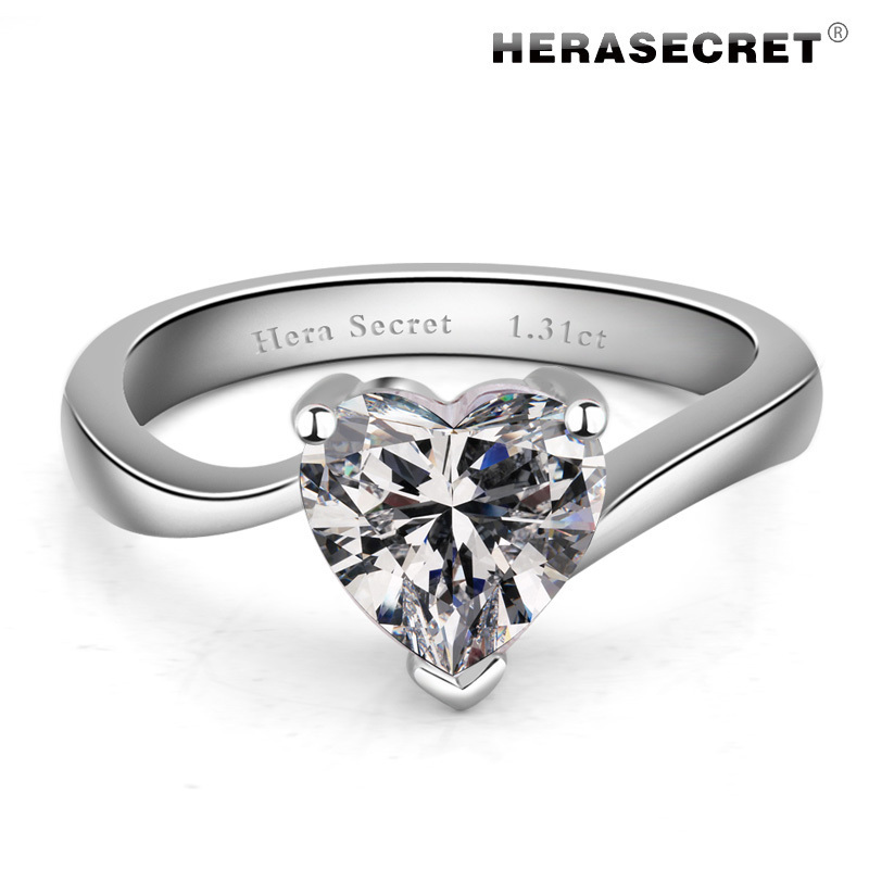The amazing fire color platinum high simulation diamond ring diamond heart-shaped ring refers to the female wedding ring SONA d(China (Mainland))