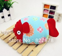 Free shipping Cute & Fashionable Fish Key Bag, Handmade Fashion Flocked Fabric  Key Case Pull-in & Pull-out Style