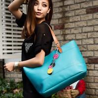 Women Messenger Bags Women Handbag Women Bag Hot sale Flower Decoration Totes Shopping Bags Large Size Bag B002