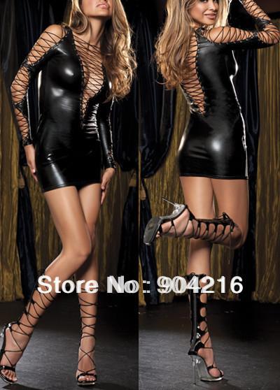 фото эротика черное платье с чулками