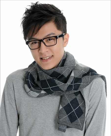 Men&#39;s yarn scarf plaid muffler scarf autumn and winter fashion male commercial sheep fur shawl(China (Mainland))