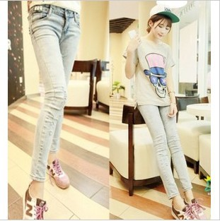 2013 New Year Women&#39;s new summer Washing to do the old hole pencil pants cowboy nine points / Cropped Pants 200-0998(China (Mainland))