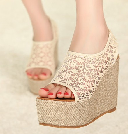 2013 solid color cutout carved wedges sandals plastic jelly shoes crystal birds nest rain boots female shoes(China (Mainland))