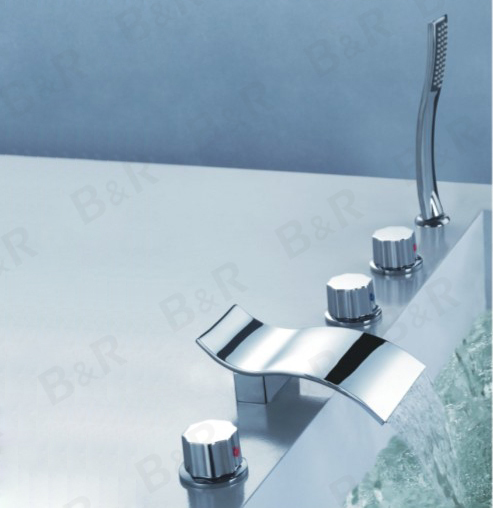modern brand 5pcs Bath Set waterfall basin mixer tap polished chrome faucet Wall bathtub Spout(bath spout,in-wall spout) LT-204(China (Mainland))