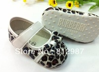 Free shipping wholesale 2013  fashion chic baby girls favorite chestnut leopard princess shoes style  BB shoes/prewalkers