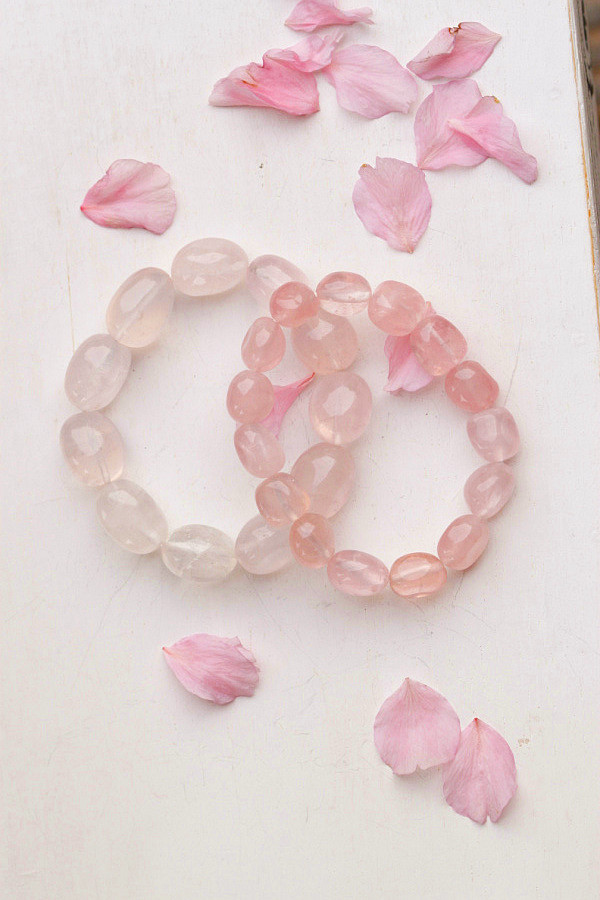 SS* Pink crystal bracelet peach blossom bead transfer rosary fashion irregular Women *free shipping(China (Mainland))