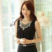 Free Shipping 2013 Summer Fashion Black/White Tops Elegant Gold Embroidery Lace And Pleated Chiffon Blouses Are Female Hot Sale