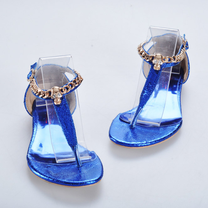 2013 preppy style edition single shoes skull heads is flat heel flat sandals size female(China (Mainland))