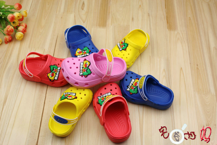 Child summer slippers cartoon mules hole shoes sandals male female child(China (Mainland))