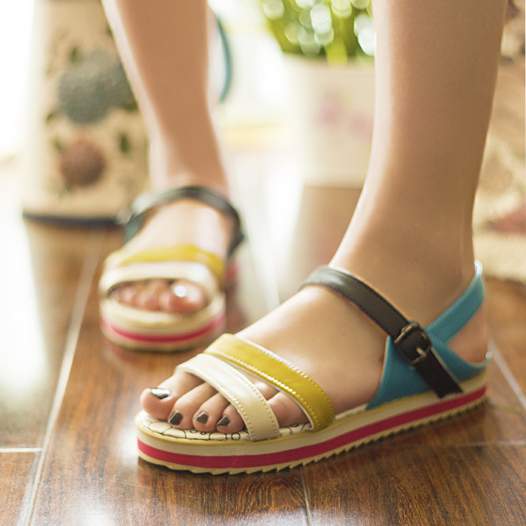 Free shipping 2013 sandals beautiful multi-colored strap comfortable flat gladiator flats sweet women&#39;s casual shoes(China (Mainland))