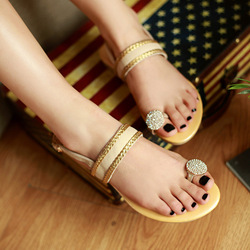 Comfort level due to natural 2013 summer new fashion luxury diamond leather slip bottom with thong sandals(China (Mainland))
