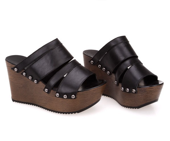Platform shoes leather rivet platform clogs wedges sandals(China (Mainland))