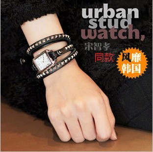 Intercrew vintage rivet bracelet ladies watch fashion watch ic702(China (Mainland))