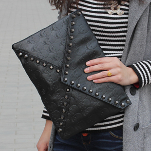 Black 2013 punk skull rivet envelope clutch bag day one shoulder cross-body women's handbag(China (Mainland))