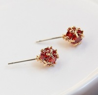 2013trendy finess lovely retro.14k gold plated shining red crystal ear stud  earrings free shipping with min. order $10