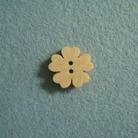 1.5cm diameter,wood button,flower shape,free shipping ,MOQ is 100pcs