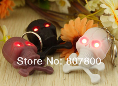 Good Design 20pcs/lot Skull and crossbones Led light flashlight keychain creative practical key chain pendant Gifts(China (Mainland))
