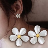 Min order $15(mixed items) 2013 Fashion Ladies  White Opal Cherry Blossoms Stud Earring,Freeshipping