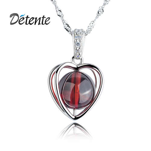 Detente heart natural crystal necklace female short design pure silver garnet pendant gift(China (Mainland))
