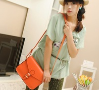 Free shipping Faculty of 2013 new handbag retro the wind envelope bag shoulder bag Messenger bag ladies bags wholesale 224