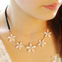 K118 accessories necklace female long design female vintage daisy pearl flower necklace