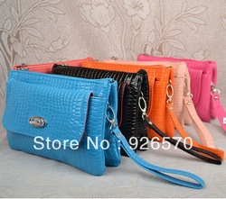 Direct from factory Manufacturers selling packet snakeskin Messenger Bags summer handbags fashion female package(China (Mainland))