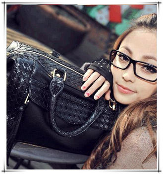2013 New arrival Yeah Fashion woven handbags for women rivet messenger bags faux leather tassel tote bags