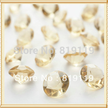 Yiwu Futian Market Wedding decoration Diamond tabel Confetti Crystal Wedding Favors For Sale