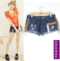 2013 summer women's 3787990 deerskin retro tassel distrressed finishing roll up hem denim shorts
