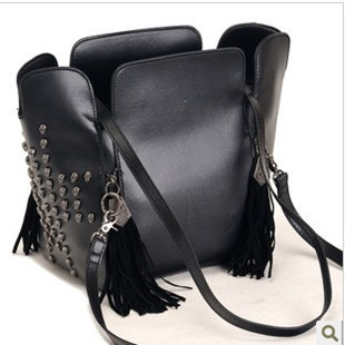 2013 trend skull tassel bucket bag vintage bag rivet one shoulder handbag messenger bag(China (Mainland))