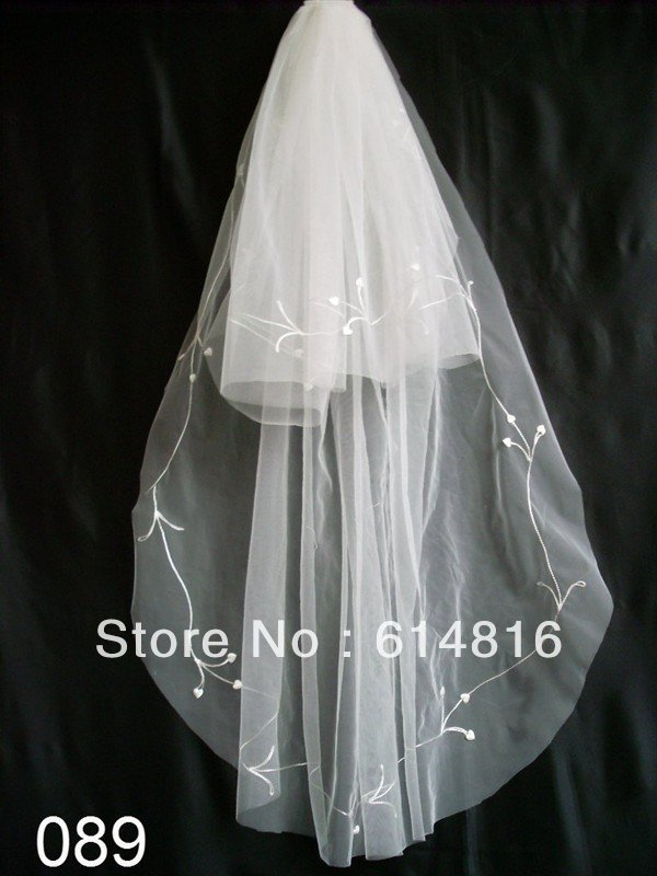 The fashion of high quality fashion wedding veil + combs + embroidery(China (Mainland))