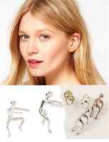 CCE162  Trendy Party Vintage Delicate Climb a wall of people Ear Cuff Earrings