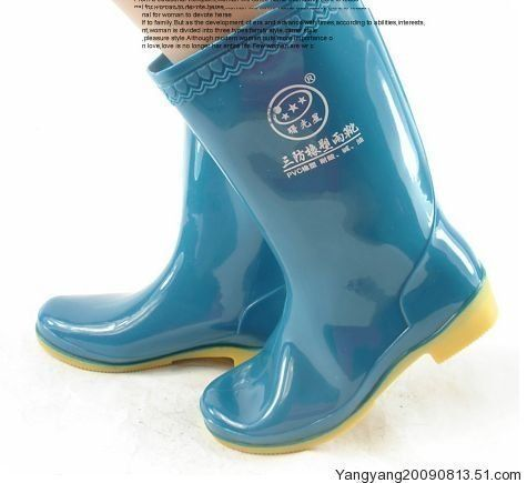 Cow muscle soft comfortable slip-resistant outsole tall boots rainboots oil 2013(China (Mainland))