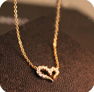 Min.order is $15(mix order) Free Shipping New Arrival Rhinestone Love Promise Love Necklace Short women Sweater Chain XY-N198(China (Mainland))