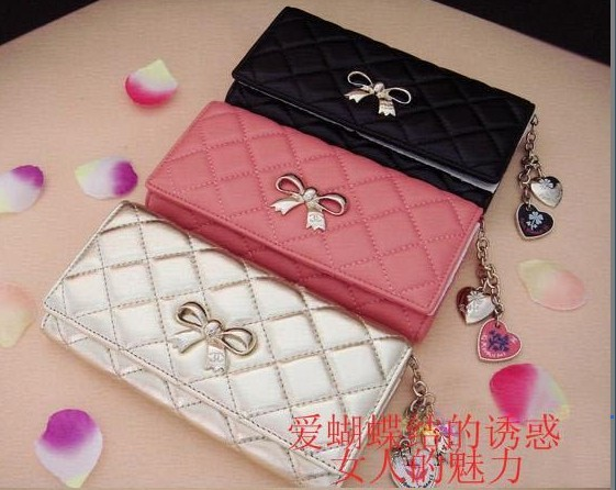 2012 women's medium-long sheepskin wallet heart pendant plaid wallet(China (Mainland))