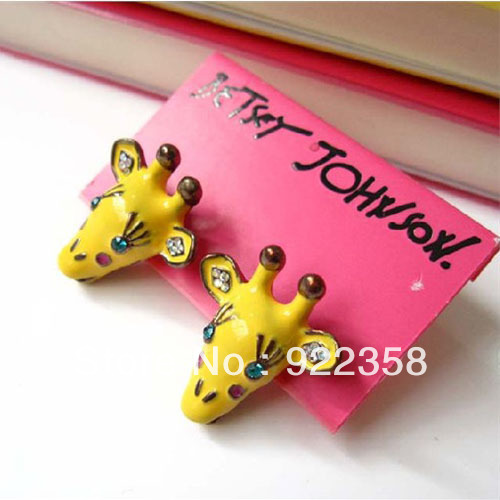 Min.order is $10 (mix order)Free Shipping[ES40] 2013 retro cute giraffe earrings Fashion jewelry wholesale(China (Mainland))