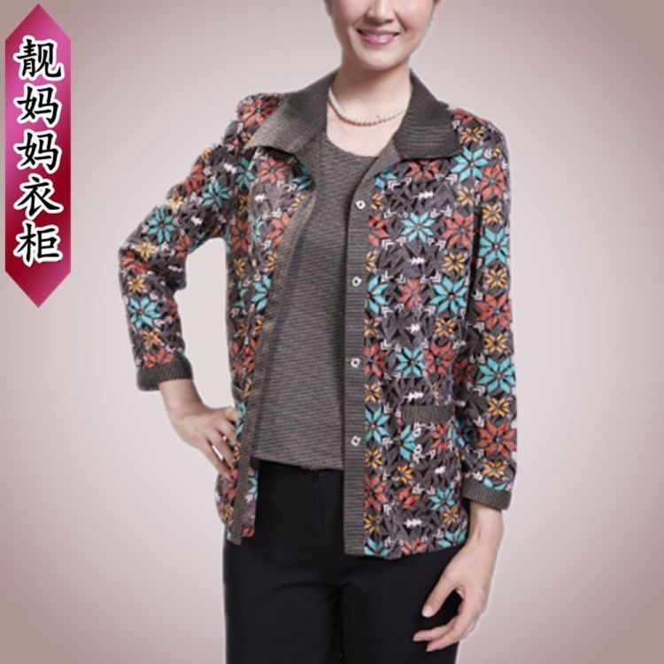 2012 middle-age women autumn and winter outerwear the elderly clothes mother clothing autumn fashion twinset(China (Mainland))